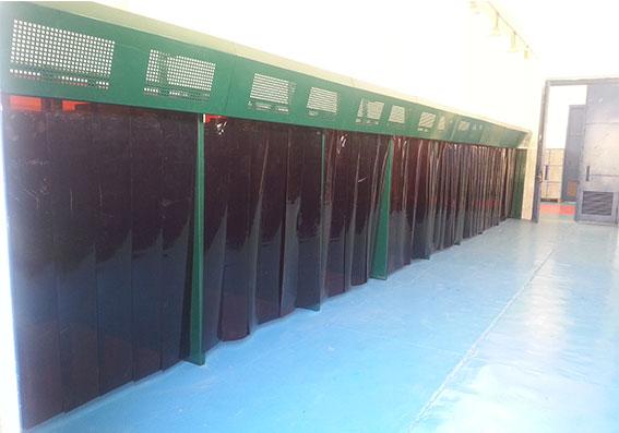 http://amr-trading.com/wp-content/uploads/2013/12/Welding-cabines-5.jpg